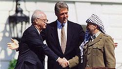 250px-Bill_Clinton,_Yitzhak_Rabin,_Yasser_Arafat_at_the_White_House_1993-09-13