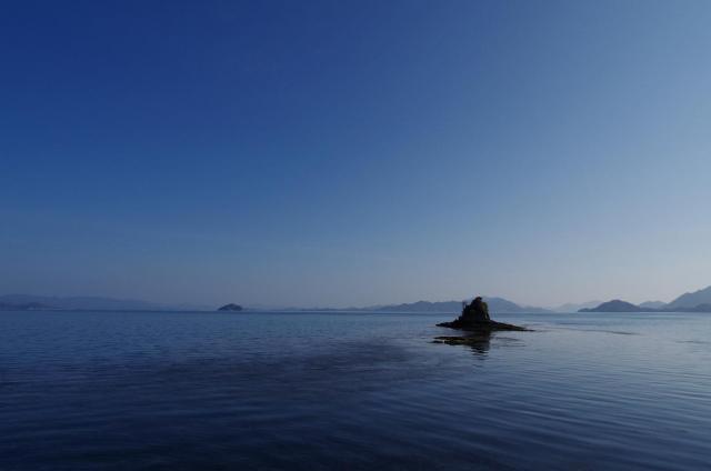 2碧く静寂な瀬戸内海