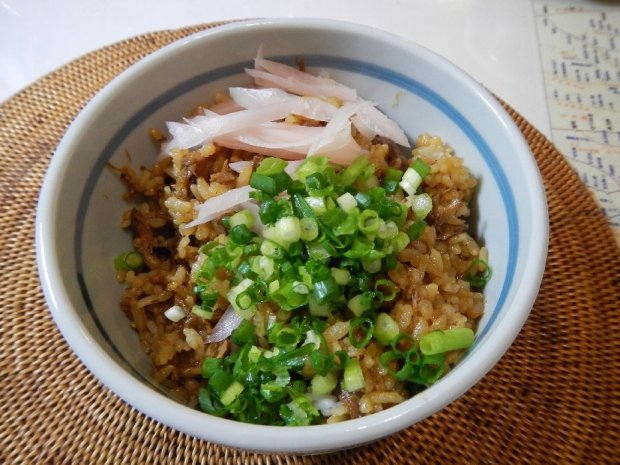 御嵩屋豚丼 (2)