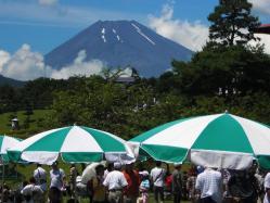 東名カントリーから梅雨明けの富士山