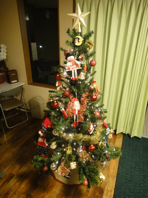 クリスマスツリー 点灯