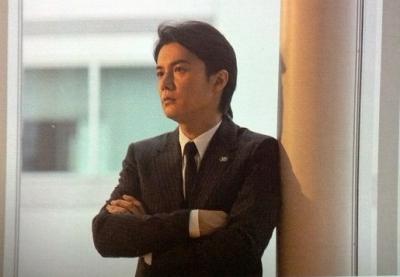 スーツの福山雅治画像