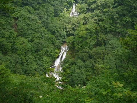 霧降の滝2