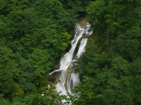 霧降の滝3
