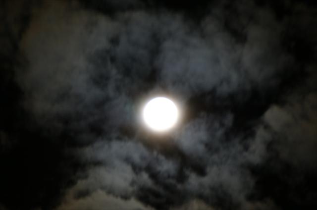 ミラクルムーンと雲