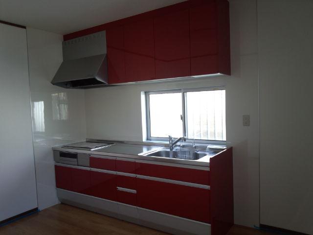 キッチンは迷わず赤色(笑)