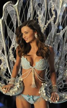 miranda-kerr-victorias-secret-fashion-show-110911-1.jpg