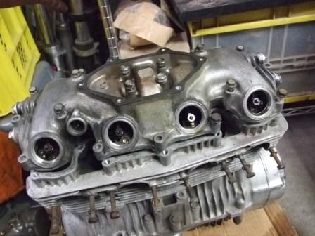 CB400FOUR エンジン01