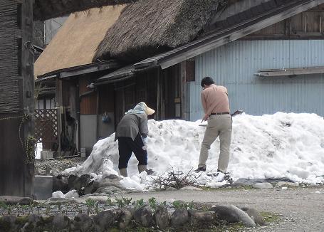 8 白川郷・荻町地区・お婆さん