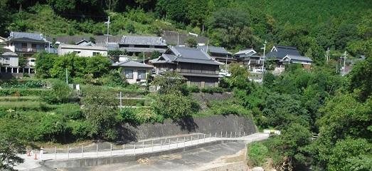 2 滝畑ダム近くの集落