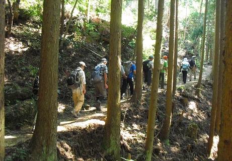 4 自然休暇村滝畑からの登り