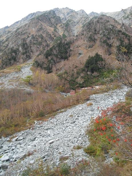 16 岳沢小屋がはっきり