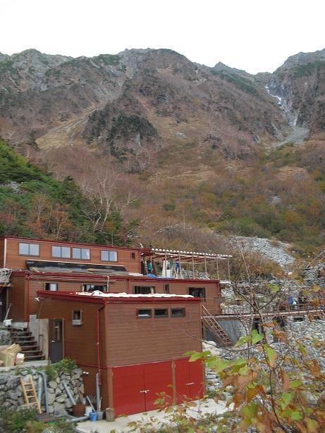 18 岳沢小屋