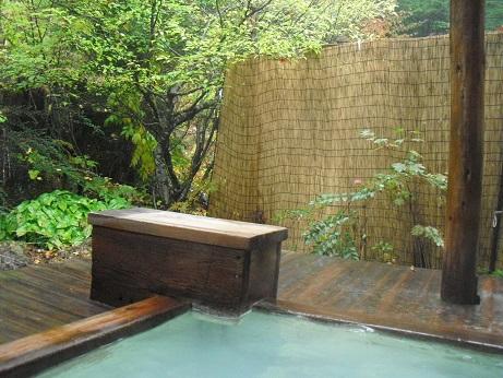 7 乗鞍高原の温泉宿・乳白色の露天風呂