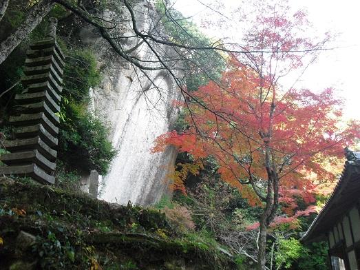 13 笠置寺・巨岩に彫られた仏像