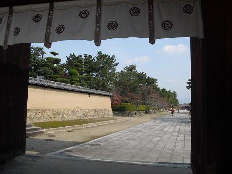 1 法隆寺の西大門