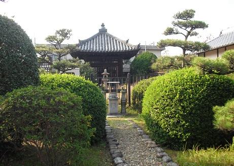 9 筒井順慶の墓4
