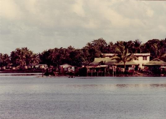 16 ヤップ島の町の風景2