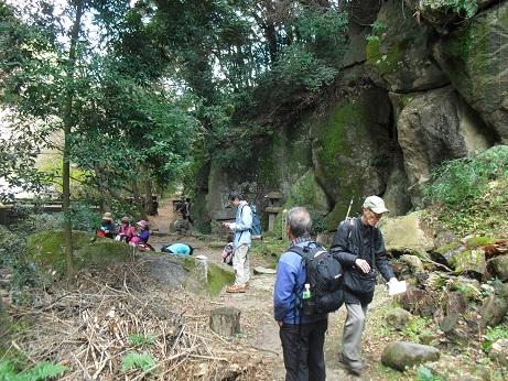 2 清滝石仏