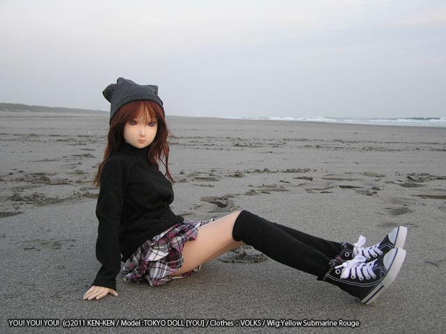浜辺 YOU TOKYODOLL