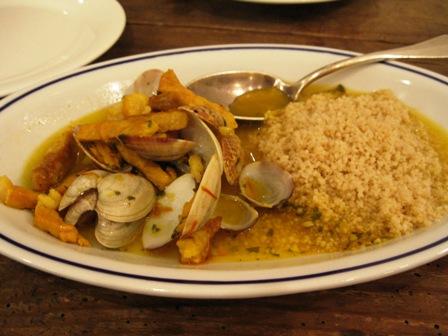 浅蜊と塩豚のサフラン風味クスクス添え