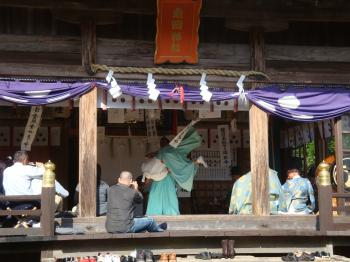 平戸神楽 第十番 『神相撲』