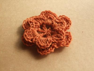 初めて編んだ花モチーフ