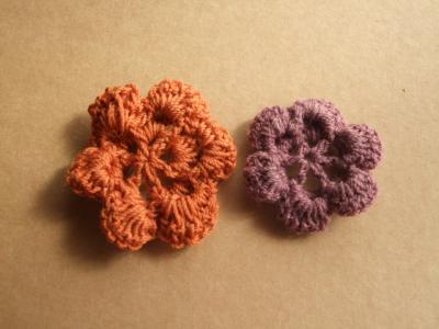 2枚重ねの花モチーフ・裏側