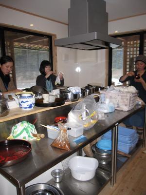 kitchen_convert_20120216064718.jpg
