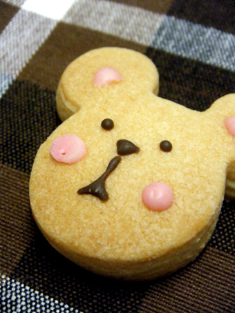 『ALL C's CAFE(オール シーズ カフェ)』のクマとうさぎのクッキー