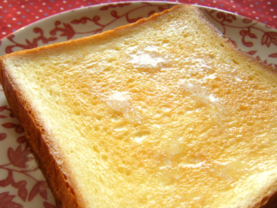 『カフェ マメヒコ』の食パン