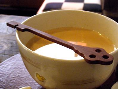 『喫茶去 一芯二葉(きっさこ いっしんによう)』のロイヤルミルクティ