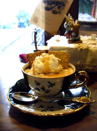 『喫茶去 一芯二葉(きっさこ いっしんによう)』の紅茶のパンナコッタ