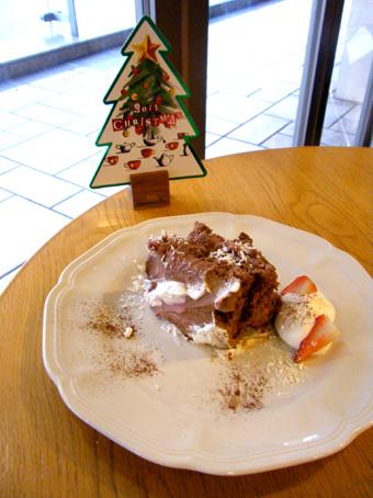 『アフタヌーンティー・ティールーム』の苺とチョコのショートケーキ