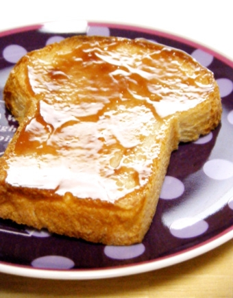 『キィニョン』のグー食パン