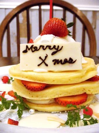 『j.s. pancake cafe(ジェイエス パンケーキカフェ)』のクリスマスパンケーキ