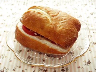 『パンとエスプレッソと』のツナサンド