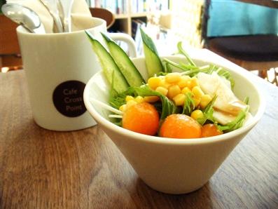 『Cafe Cross Point(カフェ クロスポイント)』の小エビと厚切りベーコンのジェノベーゼ