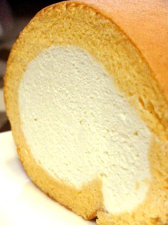 『はらロール』のロールケーキ