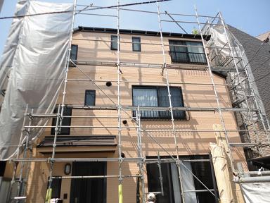 未来住建6月外壁・屋根葺き替え