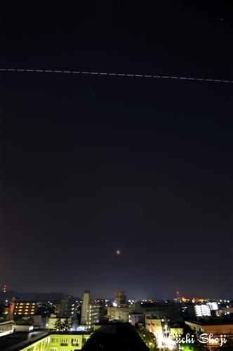 20110616-iss-moon-1.jpg