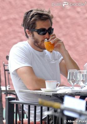 ジェイク飲む
