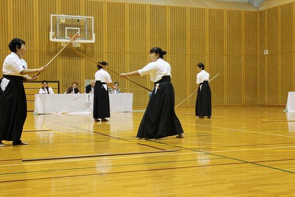 25薙刀審査様子2