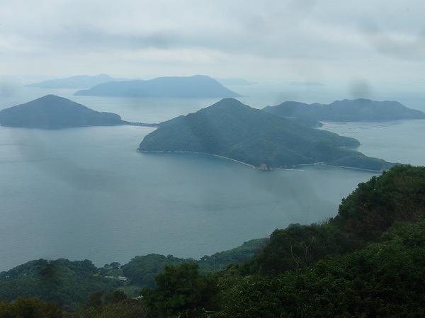 紫雲出山から粟島