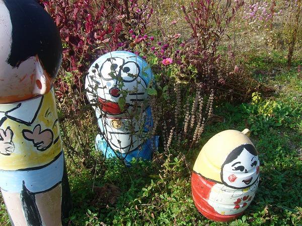 ブイブイガーデンのブイ人形