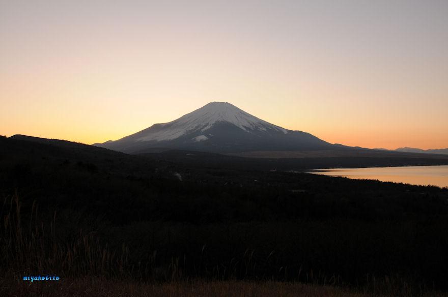 夕景の富士