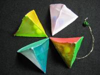 クリスマスバージョンの三角ピラミット