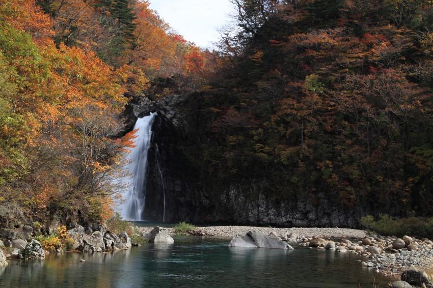 法体の滝2011秋1