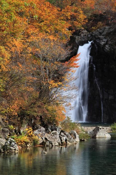 法体の滝2011秋4