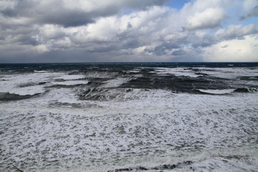 wave-a.jpg